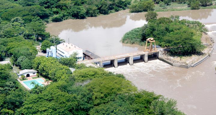 Breves: Lluvias afectan suministro hídrico en El Salvador