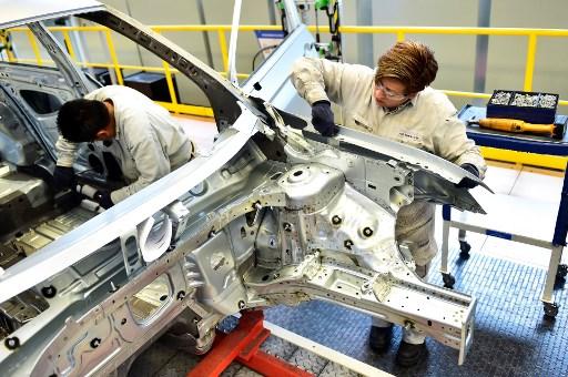 Industria exige más pruebas mientras México intenta reactivación
