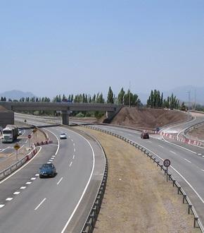 Chile lanza licitaciones de estudios para dos concesiones viales
