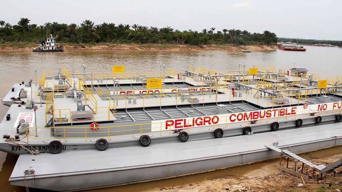 """Nueva barcaza """"Río Saramuro"""" transportará combustibles por la Amazonía"""