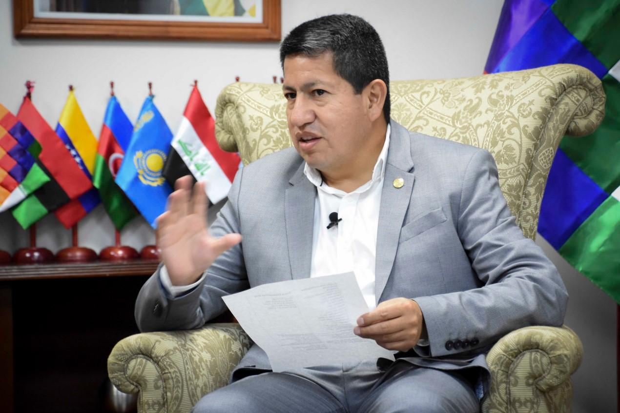 Bolivia negocia 10 acuerdos comerciales con clientes privados para la venta de gas