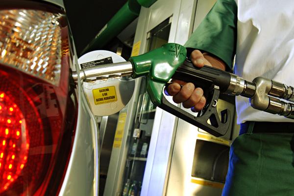 Ventas de combustibles en Brasil retomarían crecimiento este año