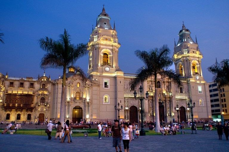 Peru sets timetable for coastal railway, airports
