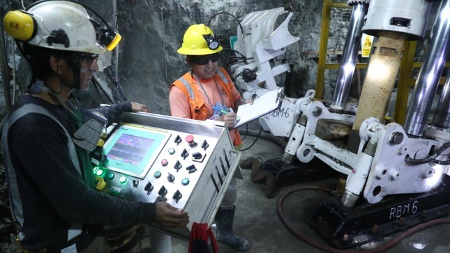 Peruvian gold, silver, molybdenum output still clawing back lost ground
