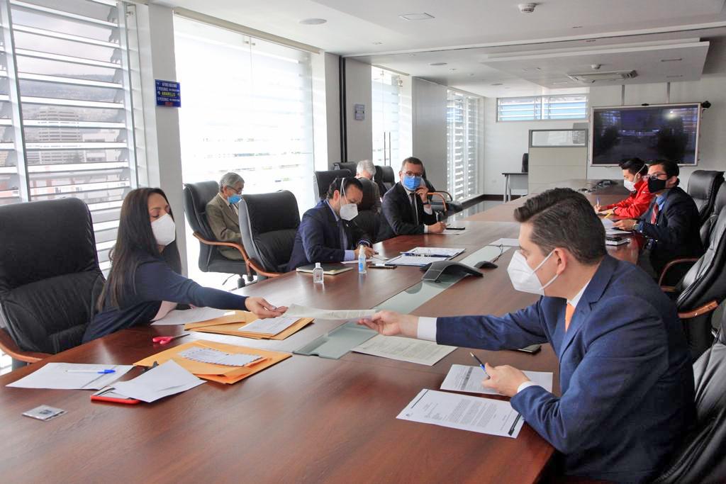 EP Petroecuador adjudicó la importación de 1'180.000 barriles de Nafta Ron 80