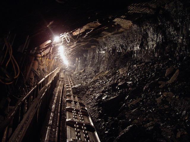 Mexicana CFE podría reanudar compras de carbón