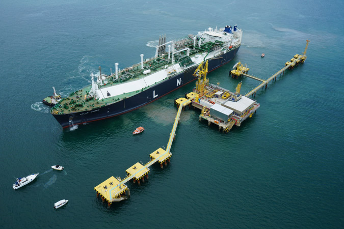 Excelerate makes new bid for Petrobras LNG terminal