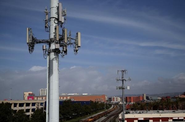 Regulador mexicano advierte de posible retraso en subasta de banda de 2,5GHz