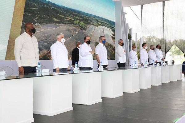 Almonte afirma que República Dominicana se encamina a masificar producción energía limpia