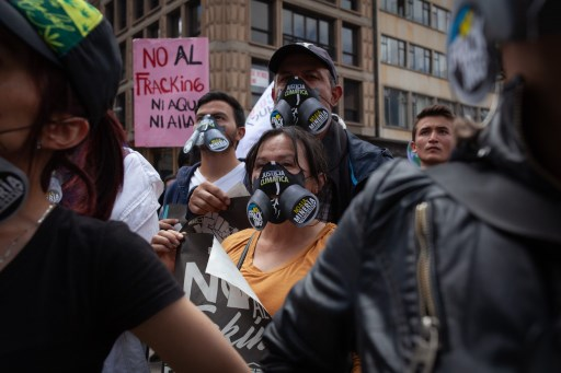 Colombia watchdog freezes Ecopetrol fracking plans