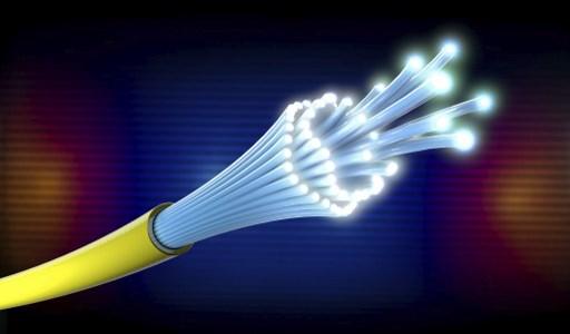 Telebras renueva contrato para uso de red de fibra terrestre de Petrobras