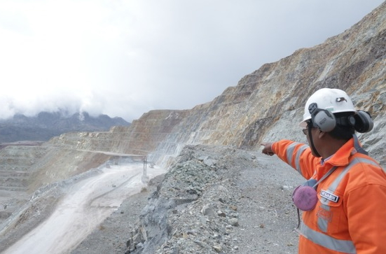 Peru offers mining opportunities but red tape is seen as major obstacle