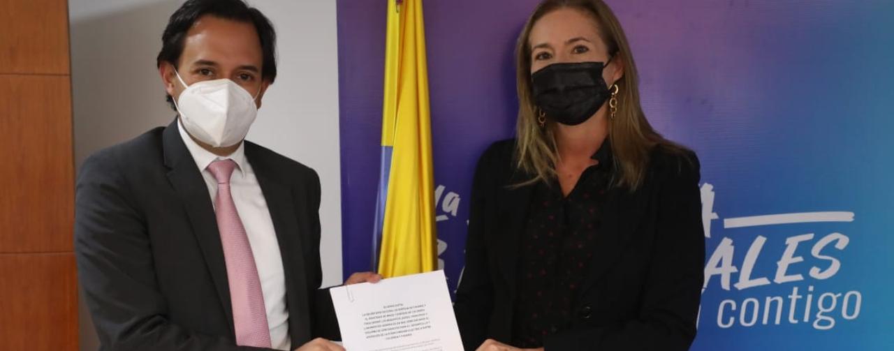 Gobiernos de Colombia y Panamá firman acuerdo que establece los principios del esquema regulatorio para interconexión eléctrica entre los dos países