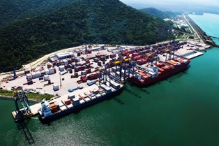 Brasileña Sepetiba Tecon amplía cartera de sector de hidrocarburos