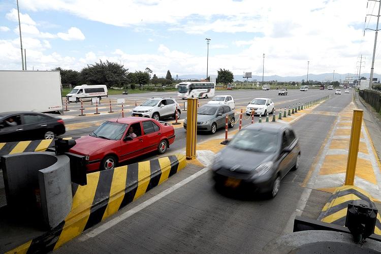 Autopistas colombianas deberán tener peajes electrónicos en 2019