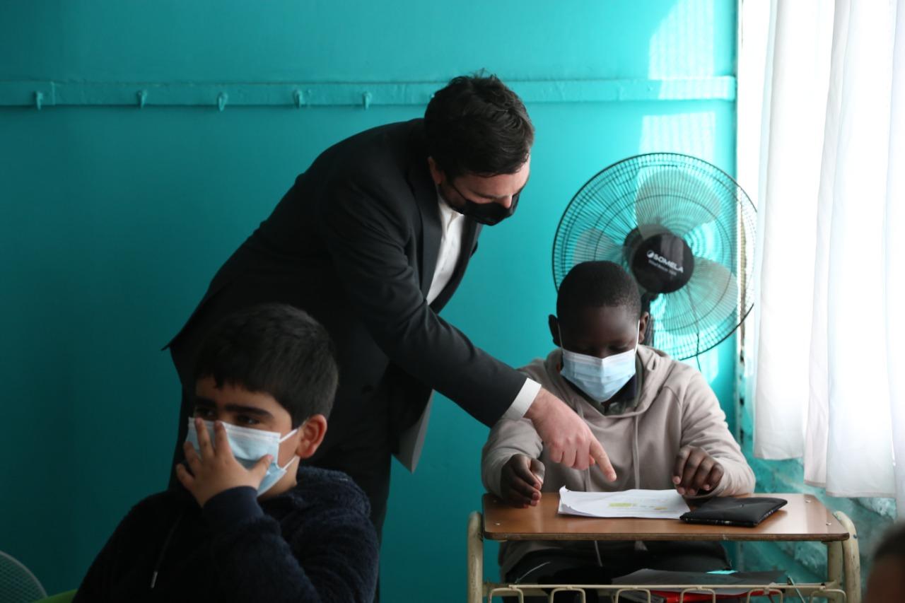 Chile inicia programa de conectividad escolar