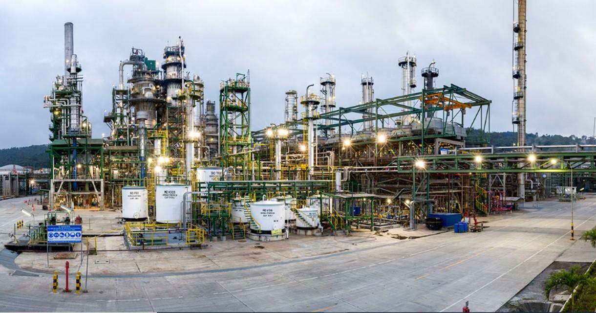 CELEC EP y PETROECUADOR firman contrato para entrega de energía a Refinería Esmeraldas