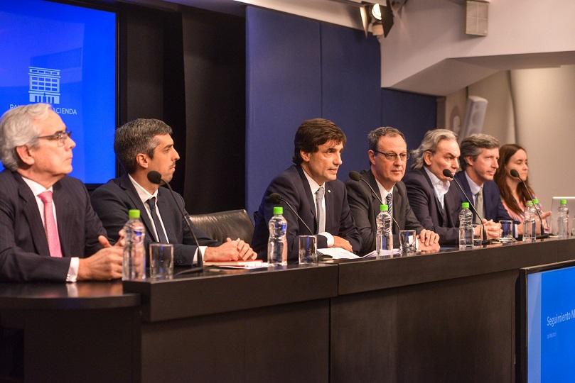 Mercados siguen castigando a Argentina pese a nuevo nombramiento en Hacienda