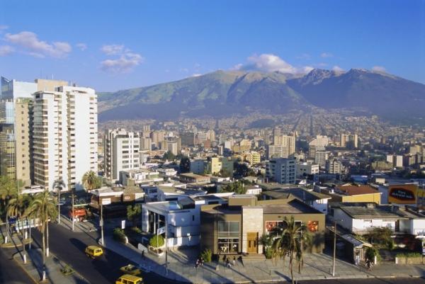 Ecuador asigna US$317mn para proyectos viales este año