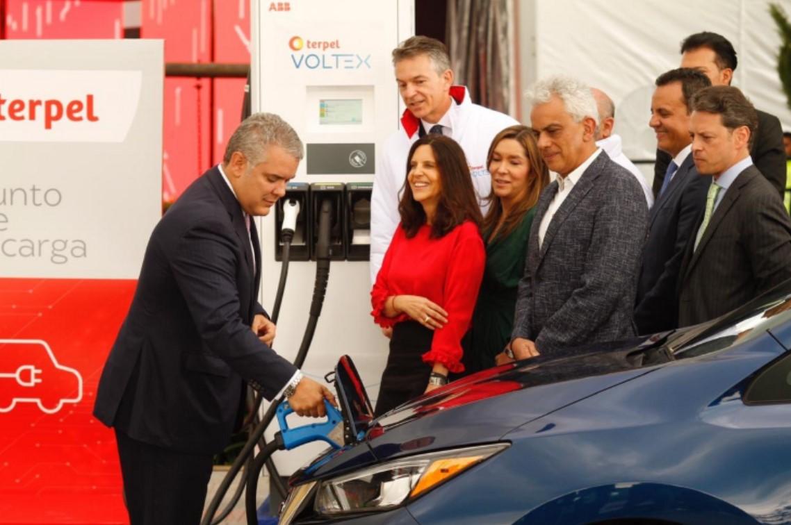 Colombia impulsa vehículos eléctricos