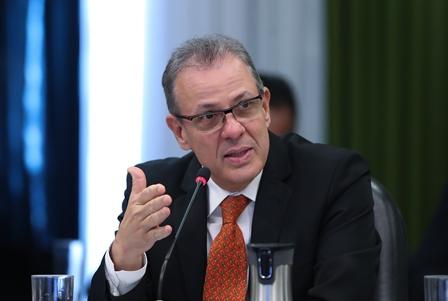 Brasil descarta posibles cortes de energía
