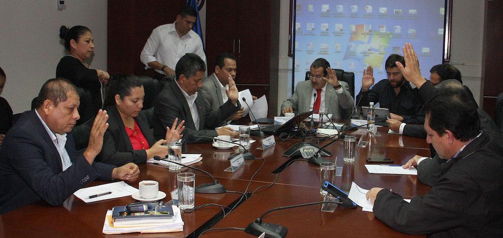 Breves: El Salvador aprueba la creación de nuevos reguladores