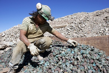 How big players will help Chile's small-scale miners
