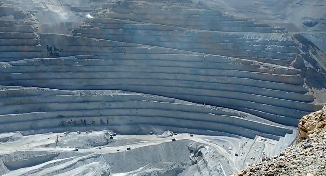 Panorama de 4 expansiones retrasadas en minas de cobre en Chile