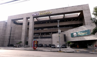 AMLO vows to finish 1,000 bank branches by June