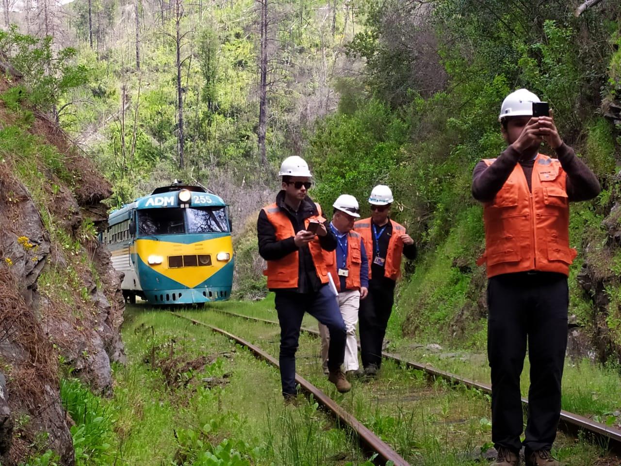 Chile prepara rehabilitación de tren Talca-Constitución