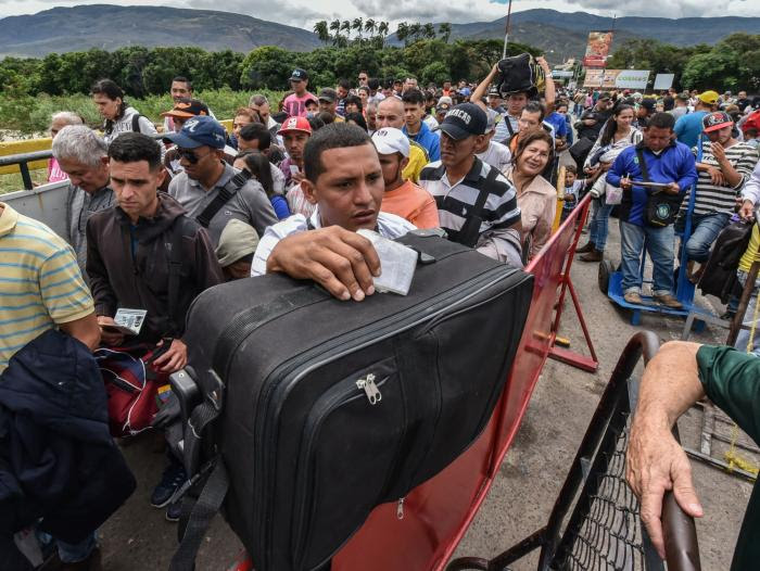 Over 5mn Venezuelans expected to live abroad by 2021