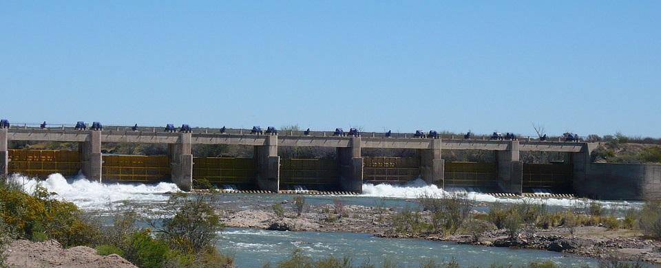 Argentina y BID negocian préstamo de US$300mn para agua y energía