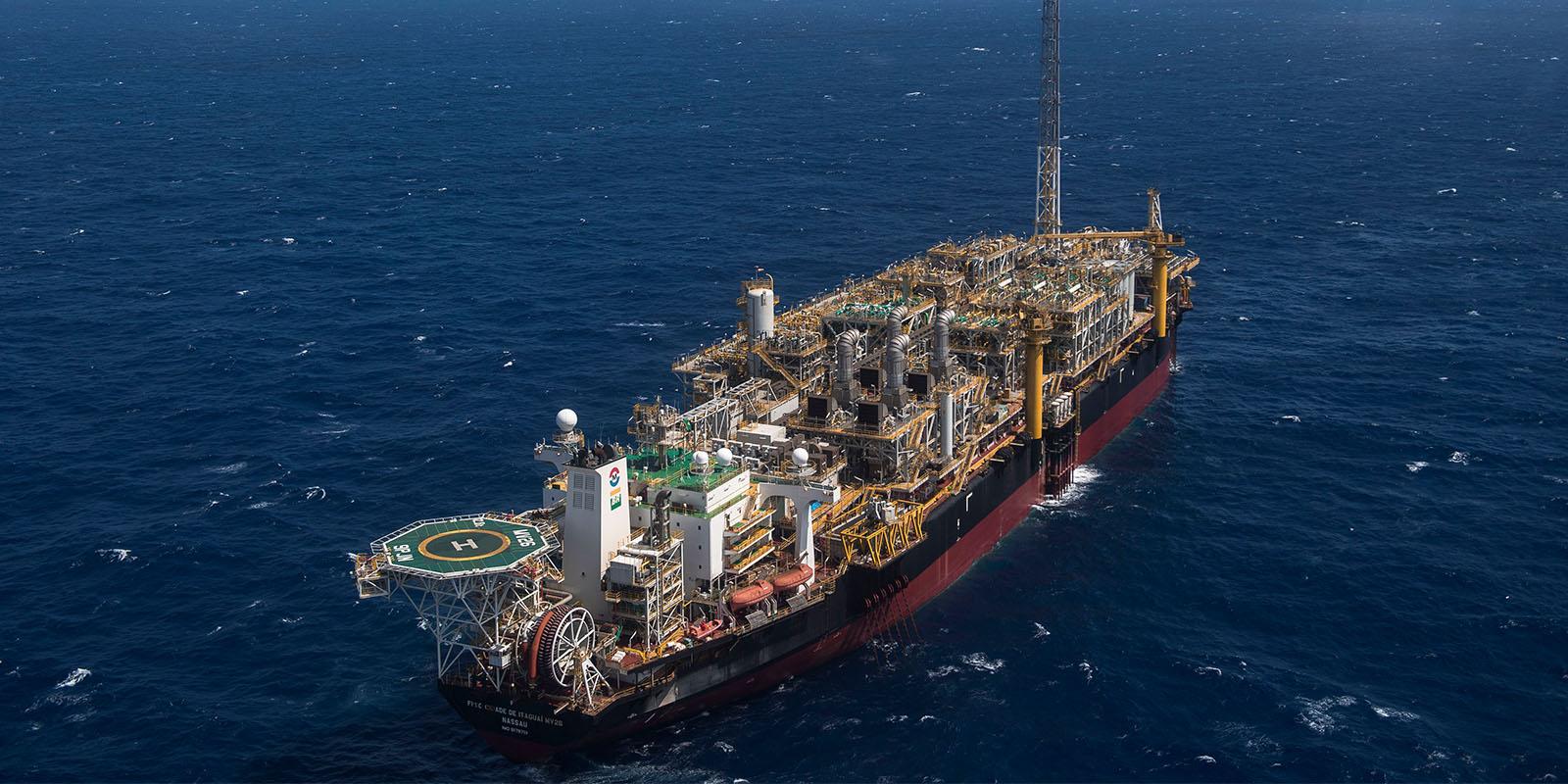 EE.UU. pone en lista negra a firmas que transportan petróleo venezolano