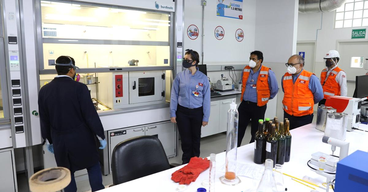 Inspeccionan avances de proyectos de mejora en Refinería Conchán