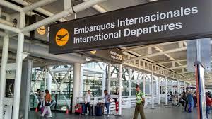 Concesionaria de aeropuerto de Santiago recurre a arbitraje