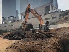Ciudad de México avanza en remoción de lodo y basura desde presas